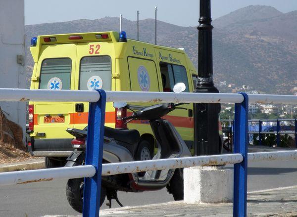 Αγιος Νικόλαος, λιμάνι, πρόβλημα με ασθενοφόρο - 201409221531
